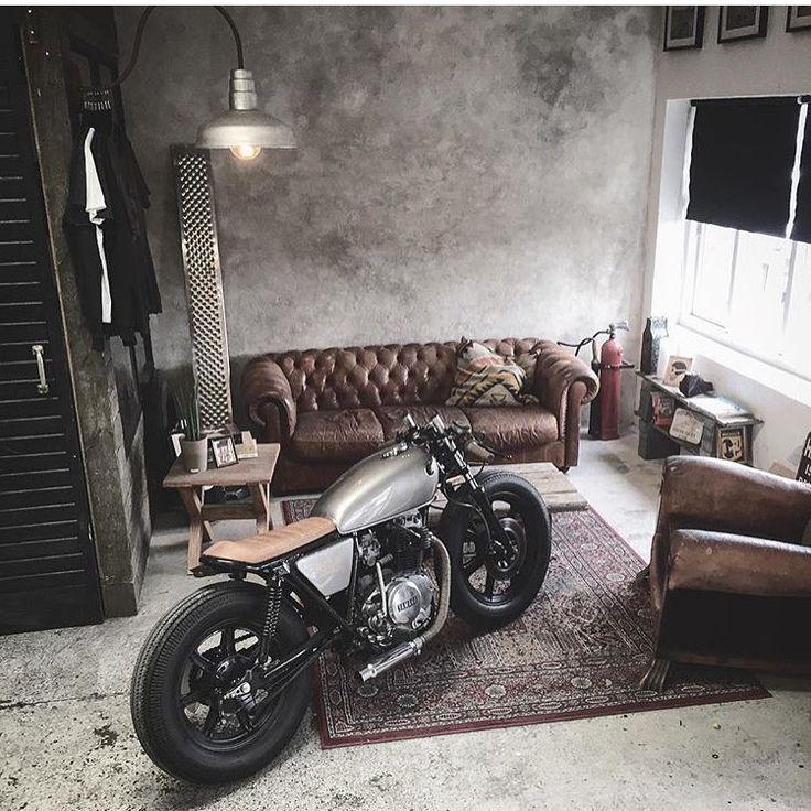 "Gefällt 3,507 Mal, 27 Kommentare - Elegant-Apparatus (@elegant_apparatus) auf Instagram: ""Looks like the living room is the NEW garage... I like it . Via @relicmotorcycles """