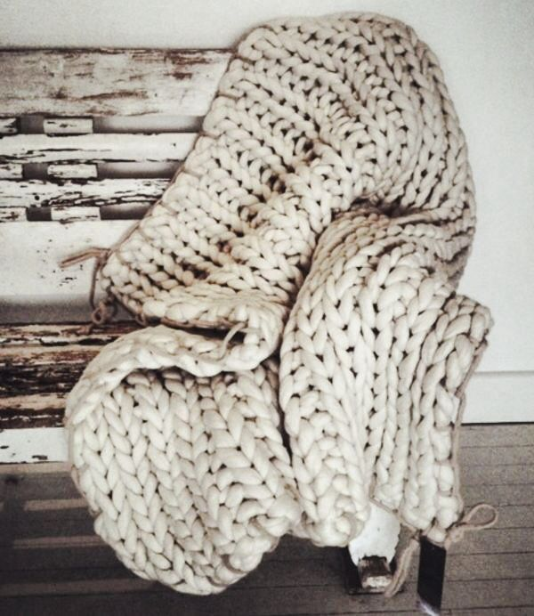 You can never have a big enough knitted blanket | #Winter #Design