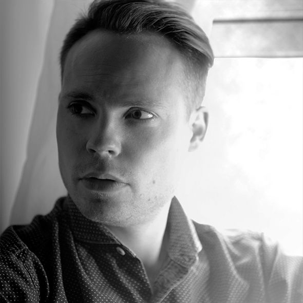 Anders Arhøj is trained as a multimedia designer and has his own design studio. His work includes graphic design, book illustrations, shop decorations and product design.