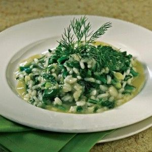 Spinach and rice (Spanakorizo) - Find the recipe  http://www.icookgreek.com/en/recipes/item/spinach-and-rice?category_id=281