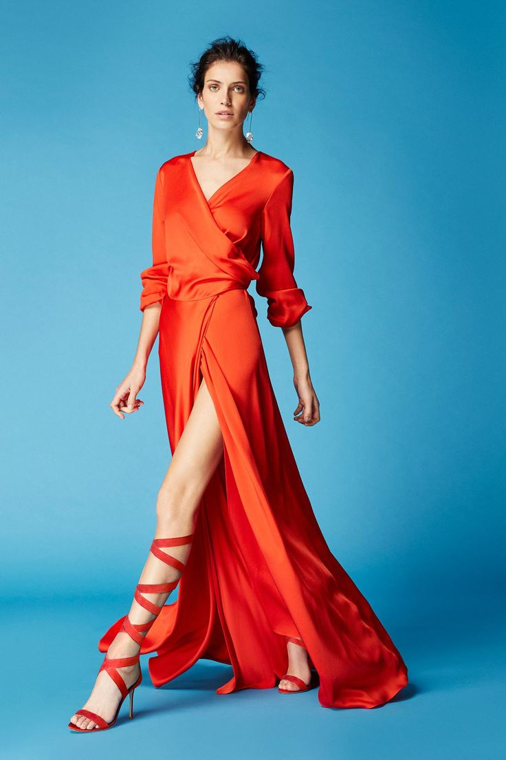 Tan cool y elegante y fácil de llevar...me encanta este divino vestido camisero largo de seda naranja