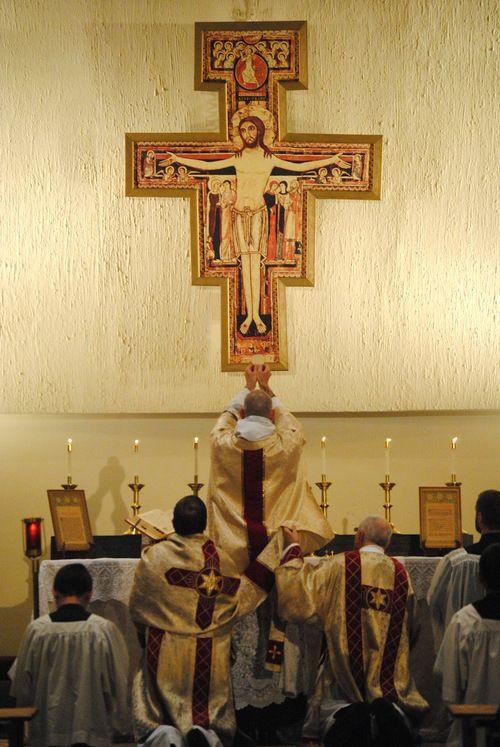 Usus antiquiormassat the Franciscan University of Steubenville.