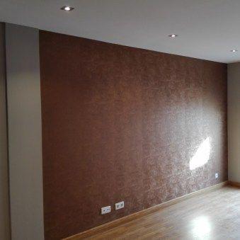 Empapelar en cobre pared del sal n papelpintado for Tonos de pintura para interiores