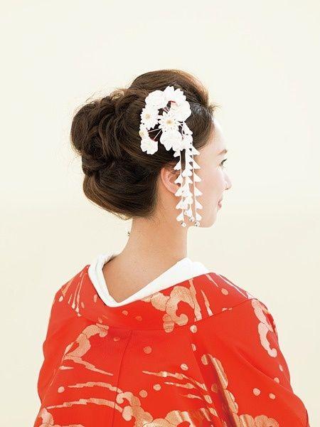 つまみかんざしを華やかにあしらった日本髪風ヘア/Back