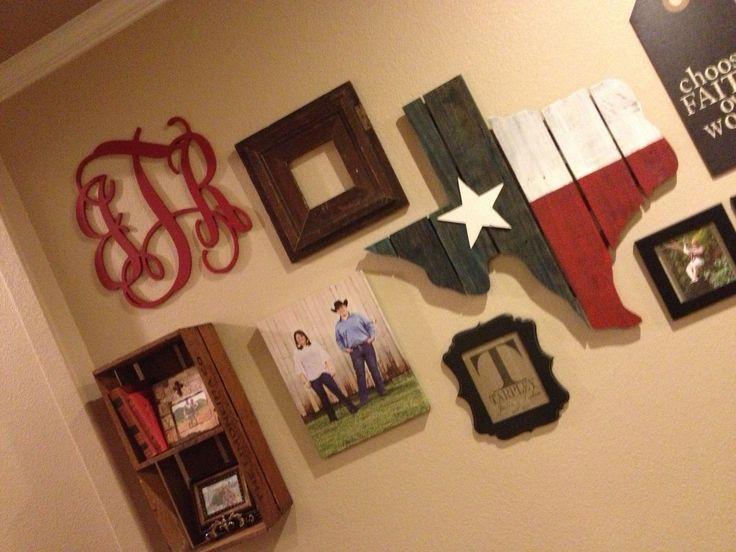 The monogram and...dear God...I'm turning into one of those people that maybe wanted Texas on my wall for a second.