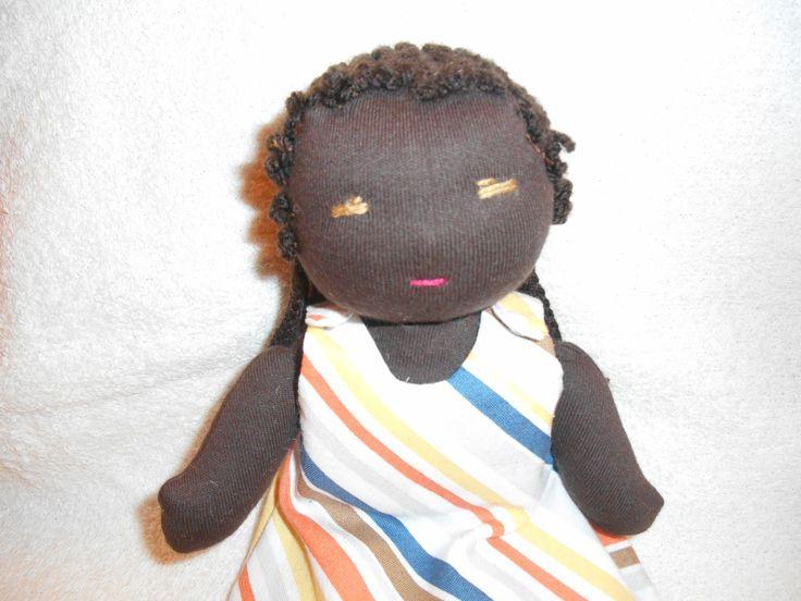 Poupée Waldorf, de chiffon,de tissus, 24cm peau noire tresses africaines : Jeux, jouets par petites-chiffonneries