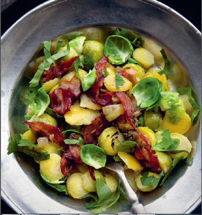 Rosenkål og bacon: Verdens mest forhatte grønnsak får nytt liv i møte med verdens mest elskede salte kjøtt. Fra Den store kjøttkokeboka.