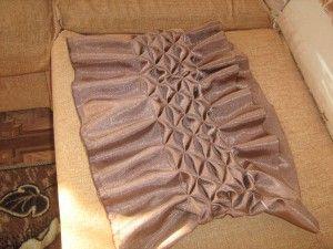 Круглая подушка с буфами мастер класс. / Прочие виды рукоделия / Шитье