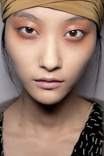Tips For How to Get the Spring 2013 Makeup Trends From a MAC Cosmetics Pro | Beauty High