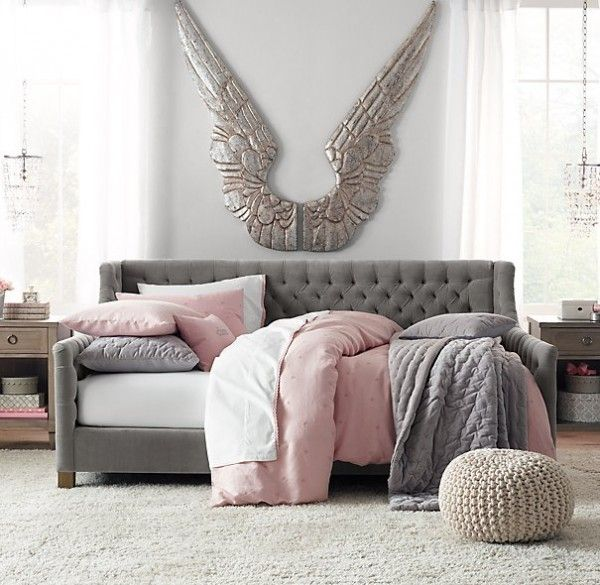 I would love this for the house   Sofa Style Daybeds. 17 Best ideas about Multipurpose Guest Room on Pinterest   Spare