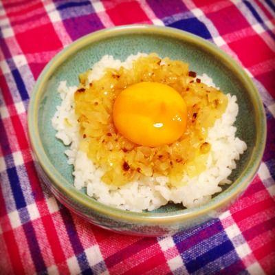 ズボラ飯!!オニオンアンチョビの卵ご飯 by まきろんさん   レシピ ...