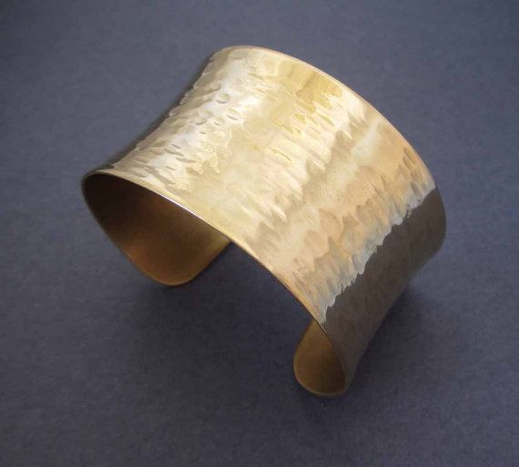 Gouden Manchet armband in Solid Brass rimpel door SeventhWillow