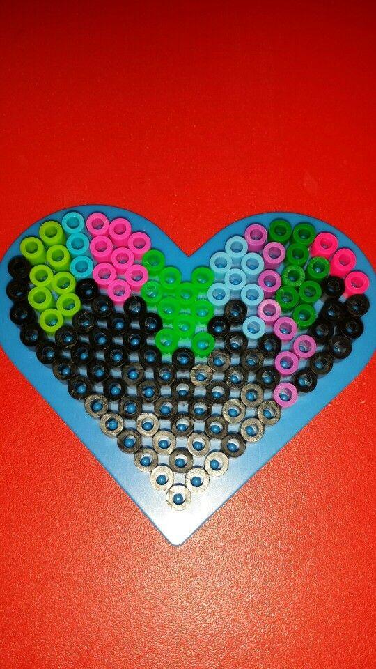 Multicolored 'melting' heart. By Chloe Hunter.  Hama perler nabbi fuse melty beads.