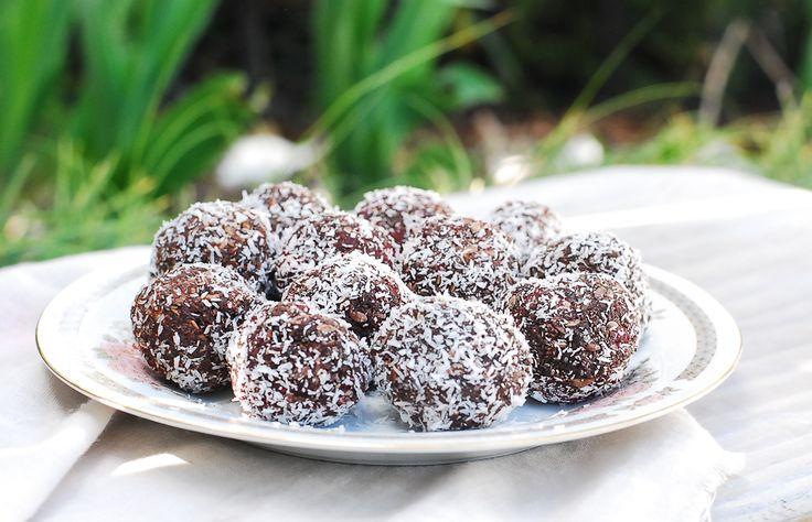 Chocolate Truffles - gluten free, paleo, grain free, raw, vegan