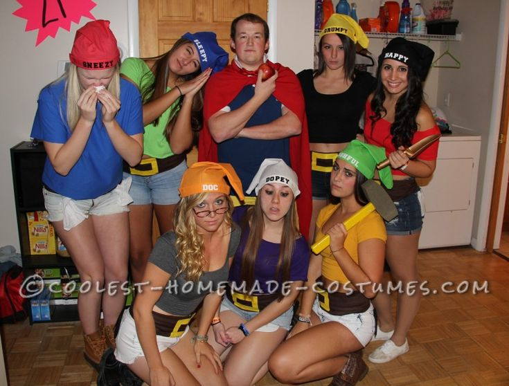 Creative Snow White and His 7 Dwarfs Group Costume...