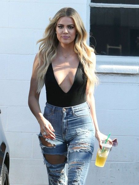 Khloe Kardashian Photos - Khloe Kardashian At A Studio In Van Nuys - Zimbio