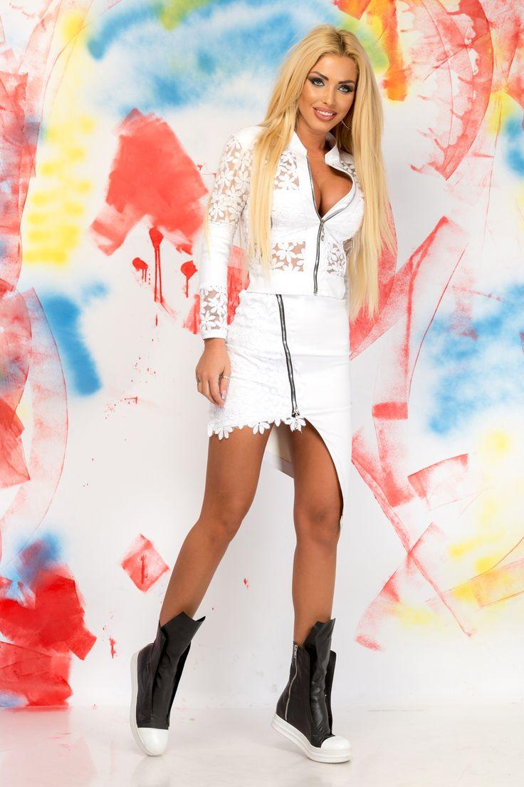 Ocassion Modern Vision White Set, form-fitting, zipper accessory, asymmetrical cut, slightly elastic fabric