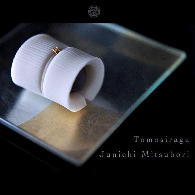 #一日一菓 #菓道 「 #共白髪 」 #煉切 製  #wagashi of the day #Tomoshiraga  本日は #敬老の日 にちなんで共白髪です。 因みに私の #白髪 は白髪隠しです。  #JunichiMitsubori #和菓子 #一菓流