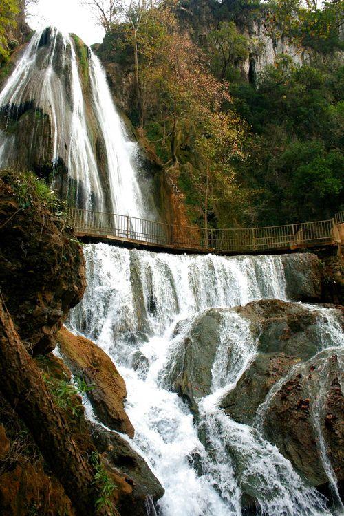 Cola de Caballo, una increíble caída de agua en #NuevoLeon, estado norteño de #Mexico, en donde la naturaleza regala paisajes verdaderamente paradisíacos.