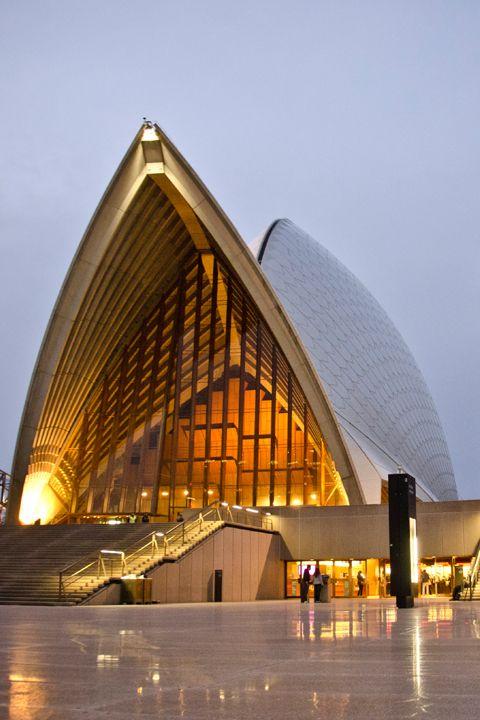 Forecourt - Opera house  http://www.guiddoo.com/