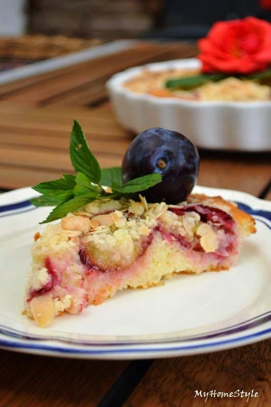 Švestkový koláč se zakysanou smetanou