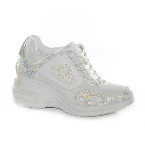Sneakers con zeppa alta in camoscio con tessuto decorato da un effetto laminato in argento.