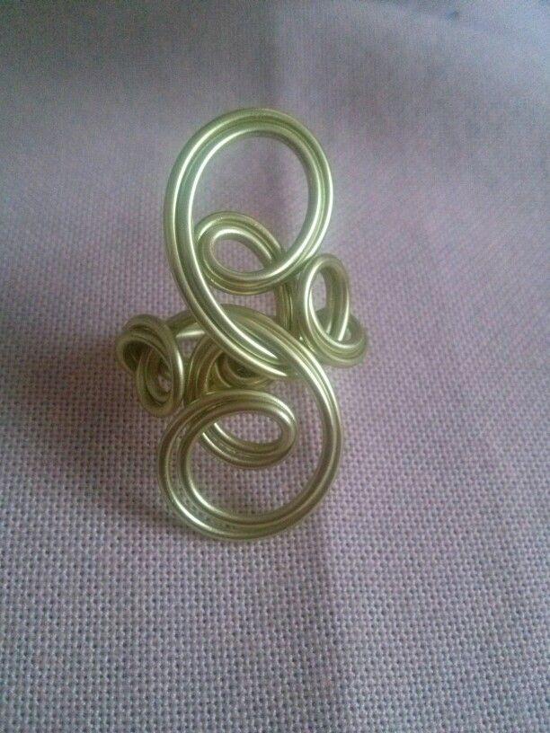 Alluminioum ring.