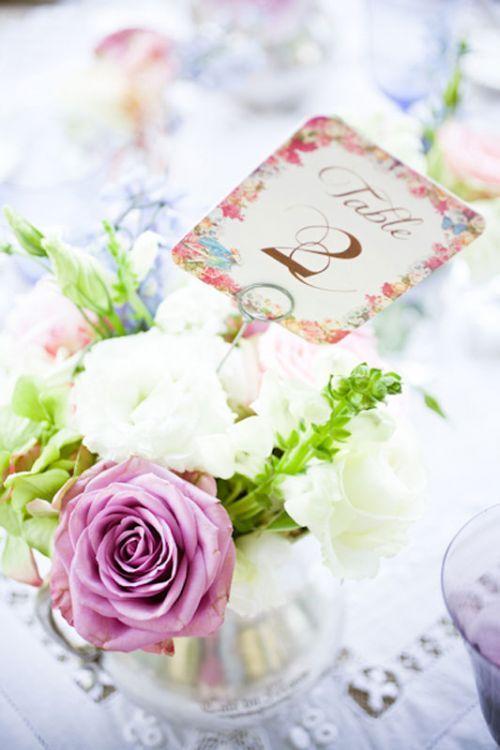 Purple roses (Blue moon roses). Stunning! #wedding #roses #purple #inspiration
