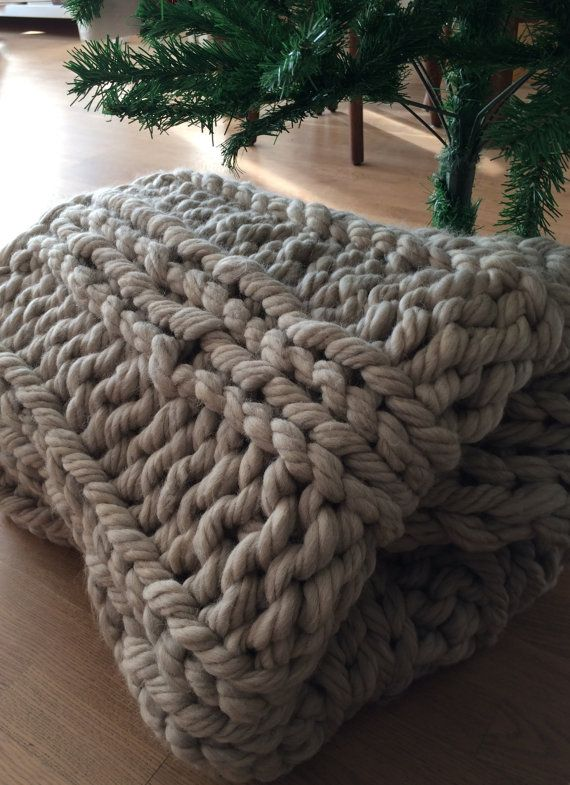 17 best ideas about chunky knit blankets on pinterest hand knit blanket giant knit blanket. Black Bedroom Furniture Sets. Home Design Ideas