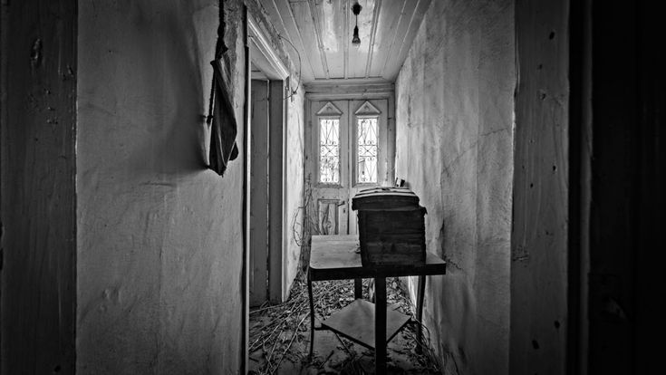 """""""13 photos of abandonment"""" A Journey back in time to the Greek '50s! By Giorgos Zontanos"""