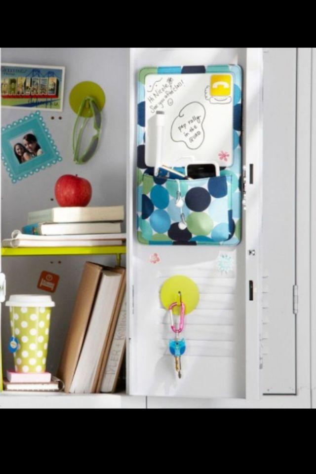 Locker organization so cute makes me like school a little more....v