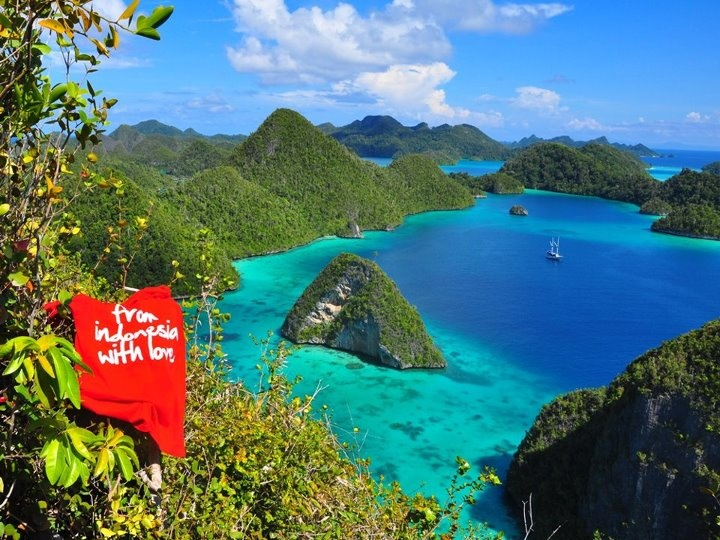 Wayag Islands - Raja Ampat -