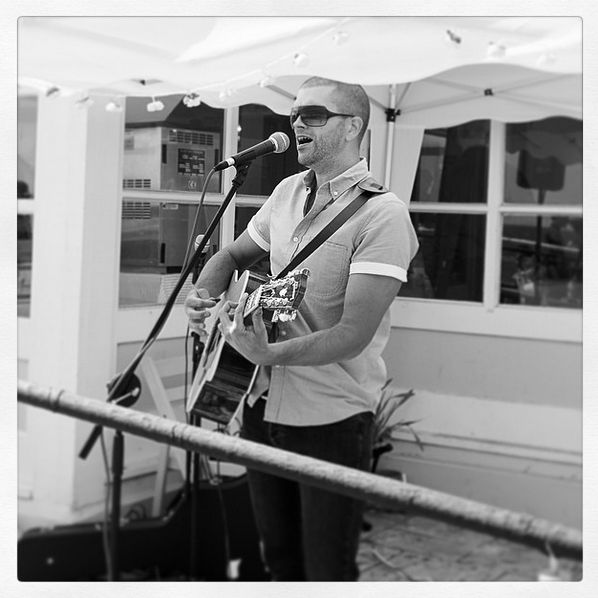 Singer/Acoustic Guitarist For Weddings