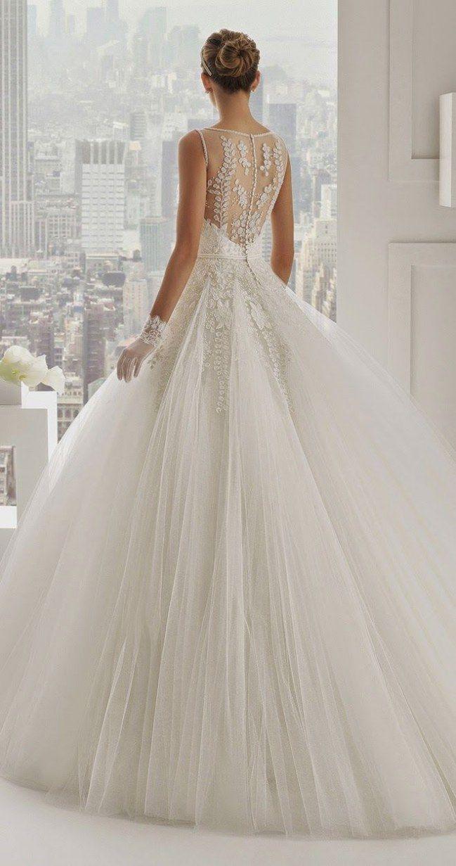 Trop beau! Une robe de princesse pour un marquage de princesse.