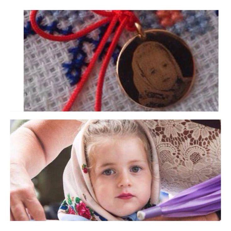 Poarta imaginea copilului tau peste tot cu tine! Pandantiv banut 15 sau 20 mm aur k se poate grava cu orice poza draga voua.