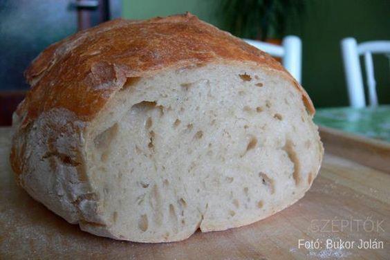 Hároméve csak ilyen kenyeret eszünk. Dagasztás nélkül készül. Van saját receptem, ami bevált - írja Olvasónk, Jolán. Köszönjük a receptet! Dagasztás nélküli kenyér Hozzávalók 1 kg kenyérliszt- BL80 (Szlovákiában T650) 7 dl langyos víz 1 csomag instant élesztő 2 kávéskanál só Elkészítés A kelesztőtálba beleöntjük a 7 dl vizet, hozzáadjuk az élesztőt, a sót, és elkavarjuk, hogy az élesztő kicsit szétolvadjon. Hozzáöntjük a lisztet, és addig keverjük, amíg szépen összeáll a kovász (1,5- 2…