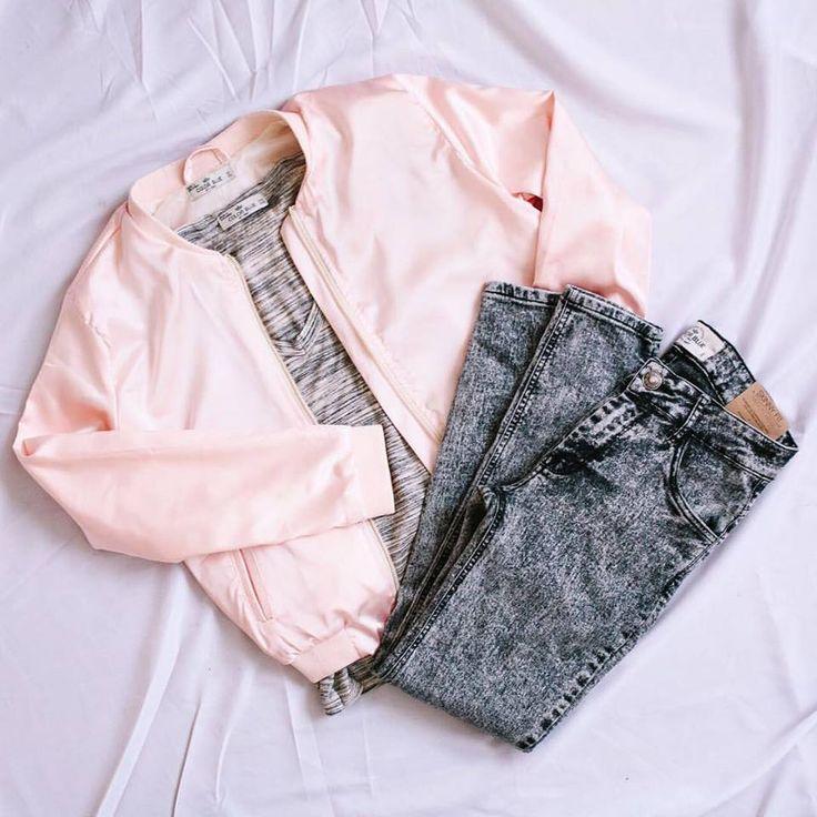 Chaqueta rosa. Jean.