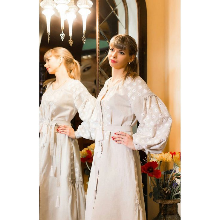 Elegant dress made of 100% linen. Silk embroidery. The cost of 360 dololors. All sizes. We deliver goods to anywhere in the world. WhatsApp +79883111234