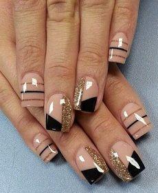 Τα τεχνητά νύχια έχουν γίνει πια μεγάλη αγάπη των γυναικών κάθε ηλικίας.