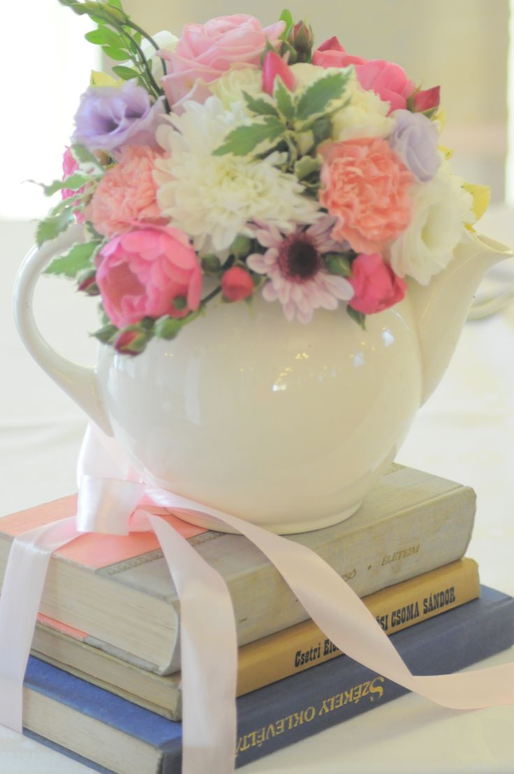Vintage decoration by Bori Dekor. Flowers with old books