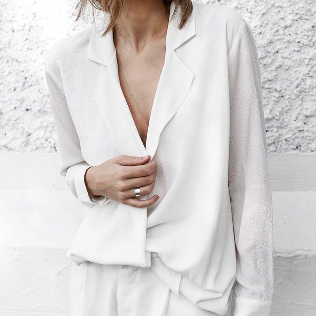 chic, all-white outfit