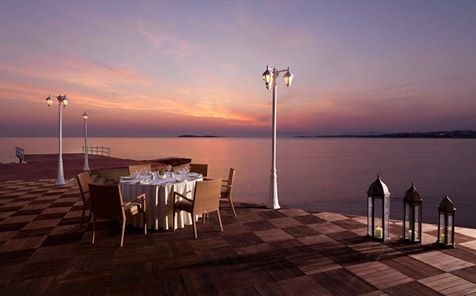 Dine under the stars at Mythos of the sea Divani Apollon Palace & Spa for an unforgettable night!