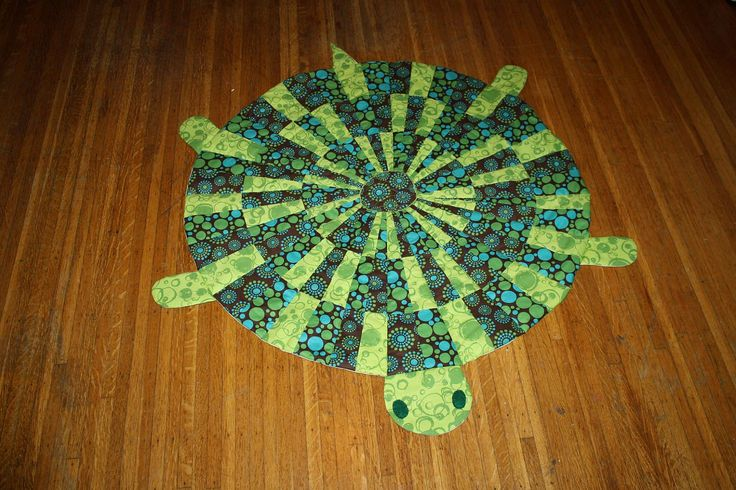 Lonesome George Tortoise Turtle Baby Quilt. I think this looks pretty easy to make maybe? so cute!