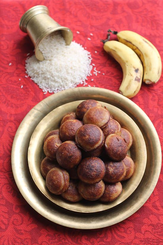 Unniyappam's are sweet dumplings made from mainly from rice, bananas and jaggery. They are also known as sweet appams.