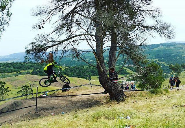 #seaotterclassic  #2017 #dh #lagunaseca #fortord #650b #mtb #singeltrack #bikelife #bike #fox #raceface #santacruzbikes #naturaleza #montaña #bicicleta #bici #pedalea #mtb #marinalocals #montereybaylocals - posted by Aureliano https://www.instagram.com/aur3_ - See more of Marina, CA at http://marinalocals.com