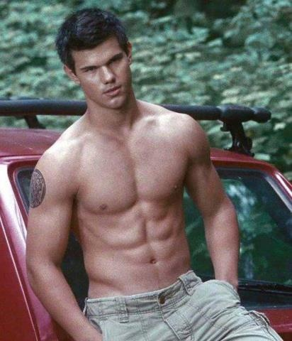 Sexy Taylor Lautner!!