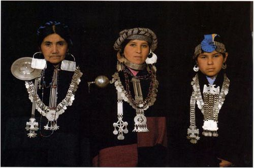 Mapuche women, silver jewelry