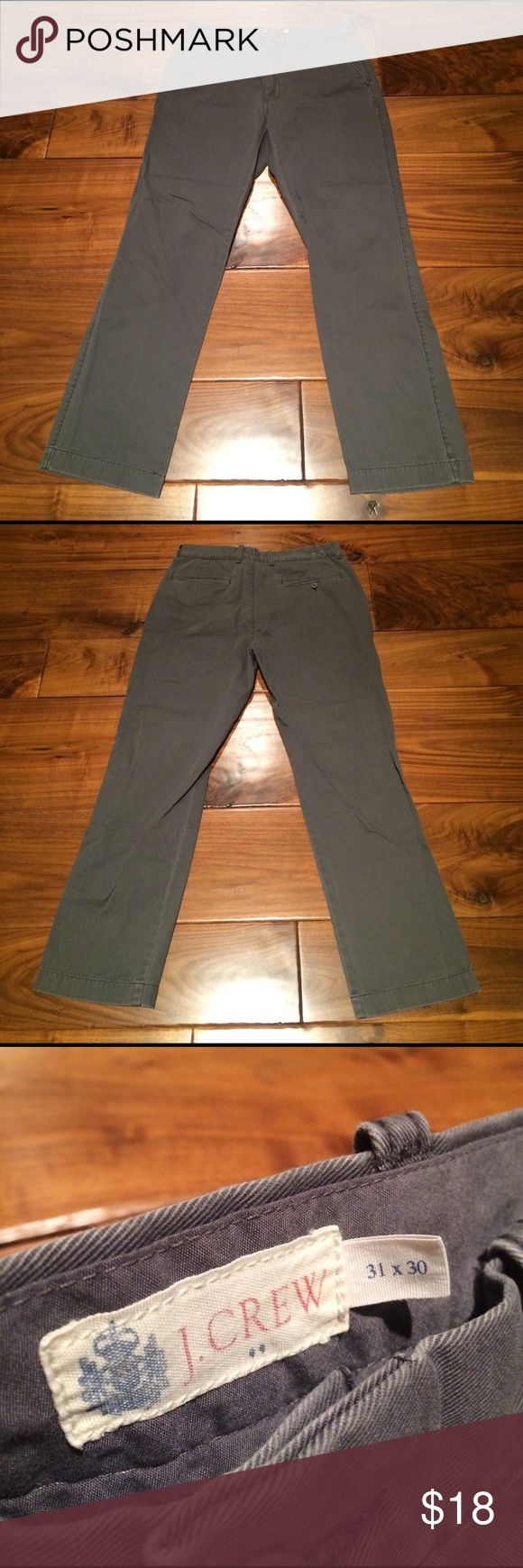 J. Crew Men's Chino Size 31/30 (inseam currently measures 29), 100% cotton J. Crew Pants Chinos & Khakis