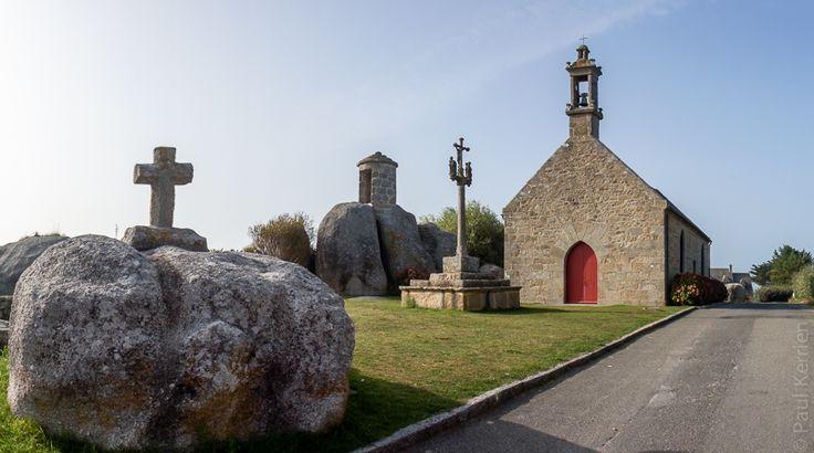 photo en Finistère, Bretagne et...: entre 2 corps de garde : une guérite . Brignogan