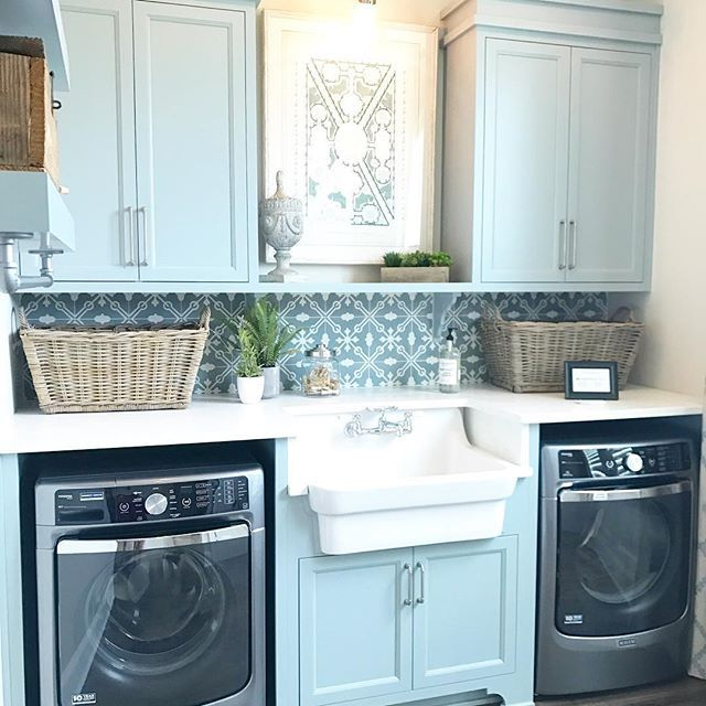 Not a bad place to do laundry. Using my favorite cement tile pattern for the backsplash at the #homearama home #laundry @artisansignaturehomes built
